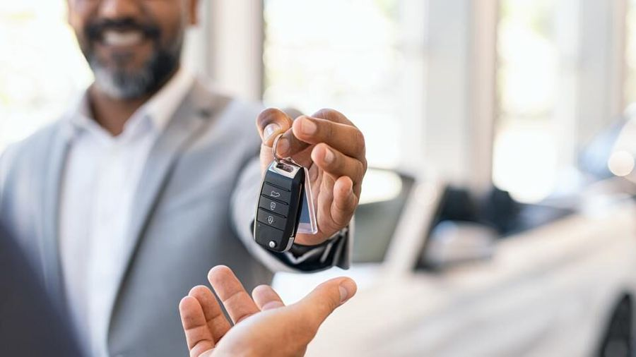 Things to Consider While Purchasing Car Insurance in the US and UK
